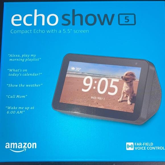 "NEW Amazon Echo Show 5 With 5.5"" Screen Black"